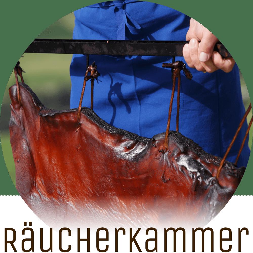 Lichtung Woldererhof - Hofeigenes Fleisch aus der Räucherkammer